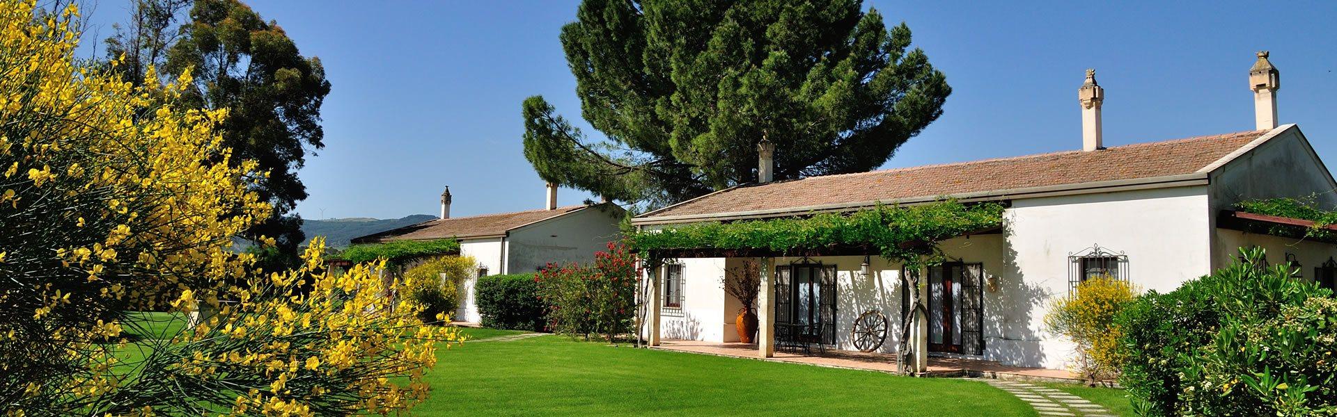 Appartamenti e camere agriturismo l 39 orto di lucania - Agriturismo con piscina basilicata ...